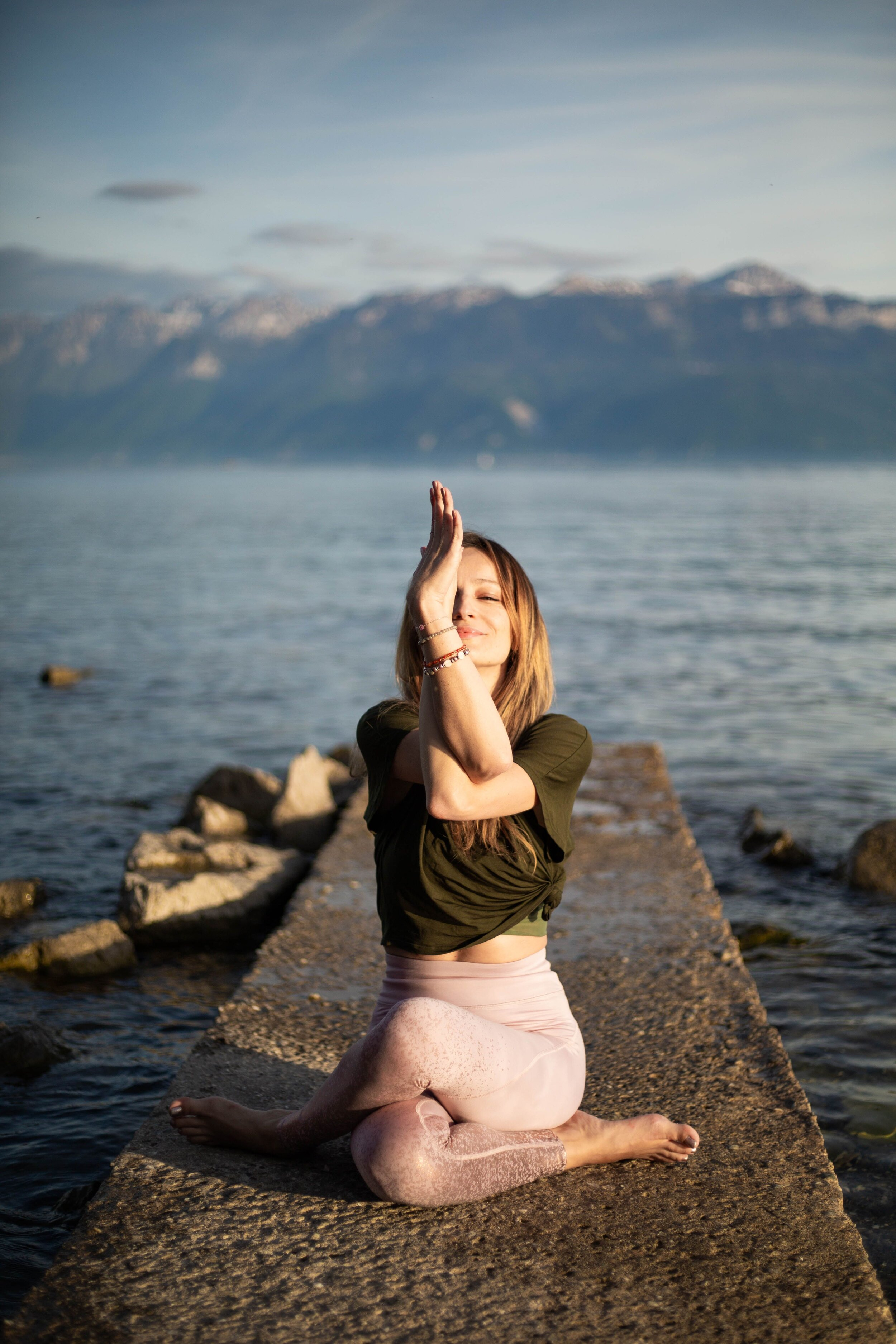 Olivia, professeure de yoga de la femme, nidra et yin chez OLY Be