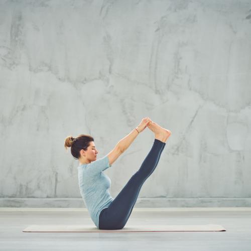 5 postures de yoga pour un ventre plat -
