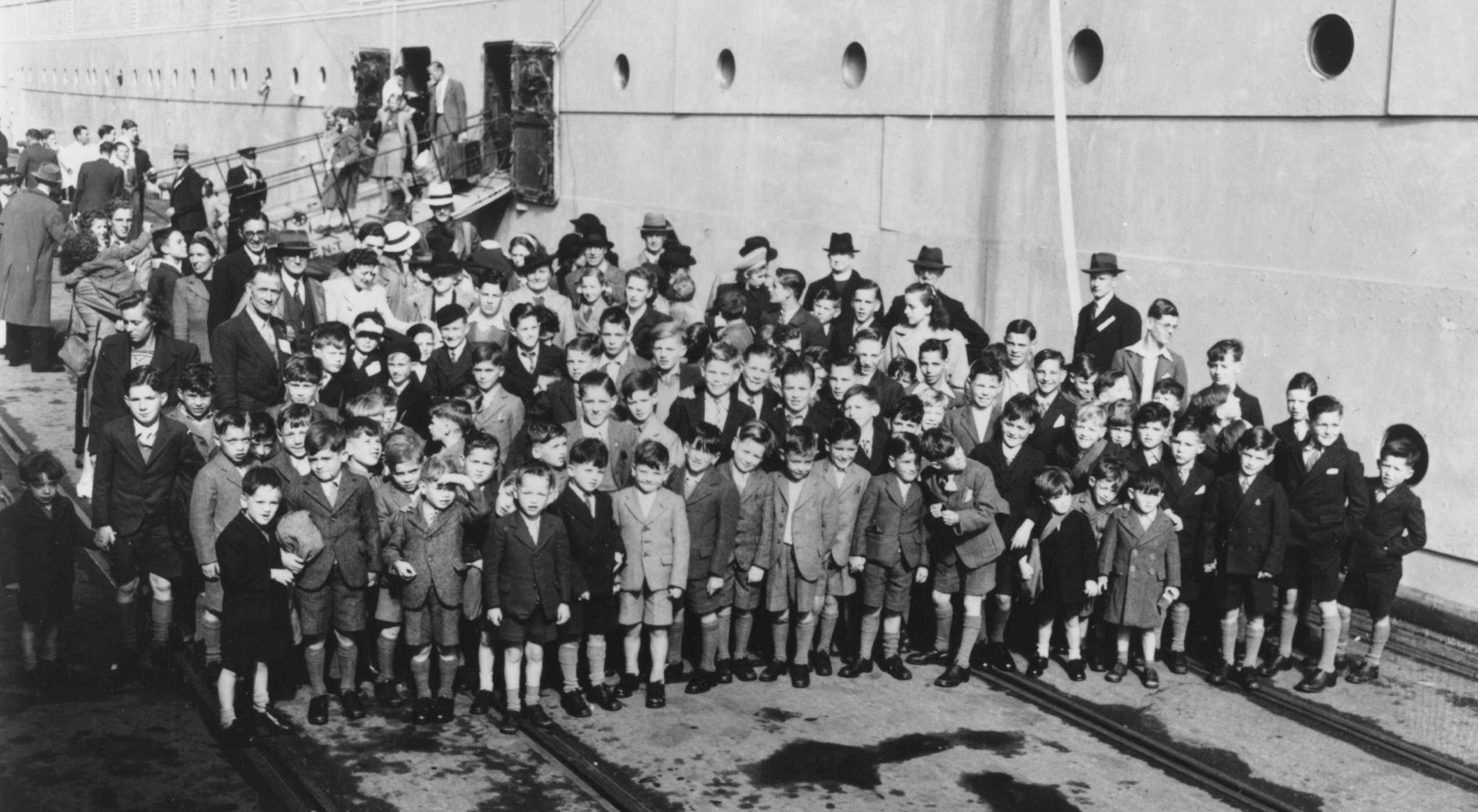 A group of British children arrive in Australia in 1947