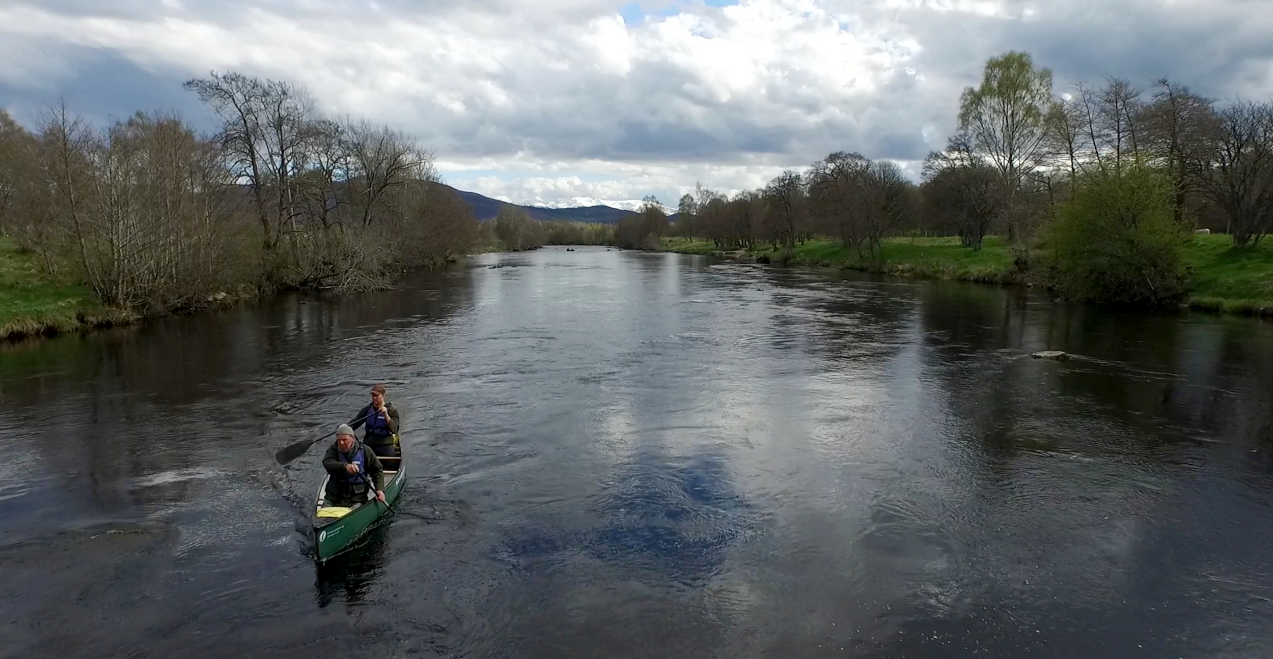 Filming with wildlife filmmakers on the River Spey as they follow the cycle of life around it.
