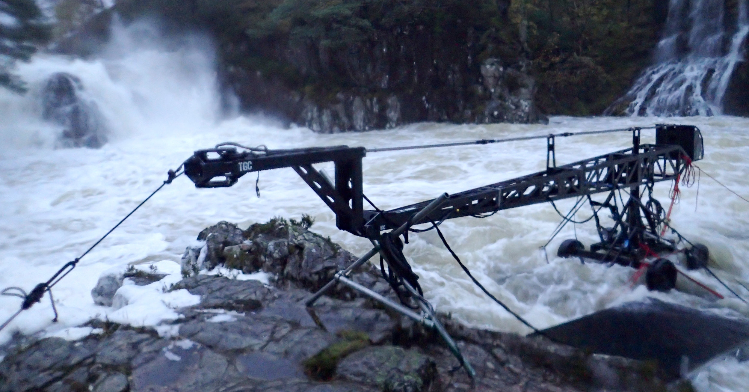The crane after the river came up 3meters overnight.jpg