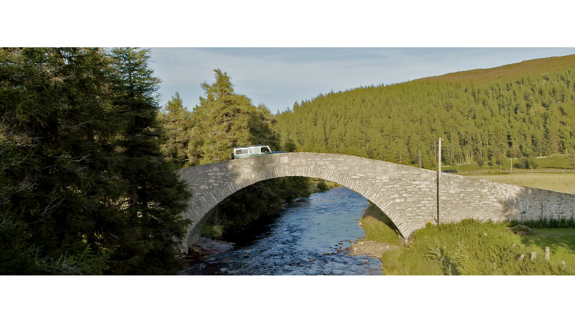 Bearsden landy on bridge.jpg