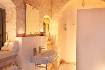 Masseriabathroom.jpg