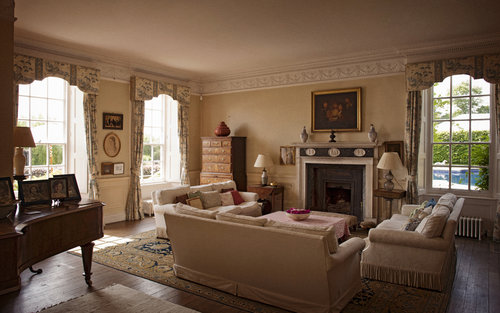 the-drawing-room-at-poundon-house.jpg