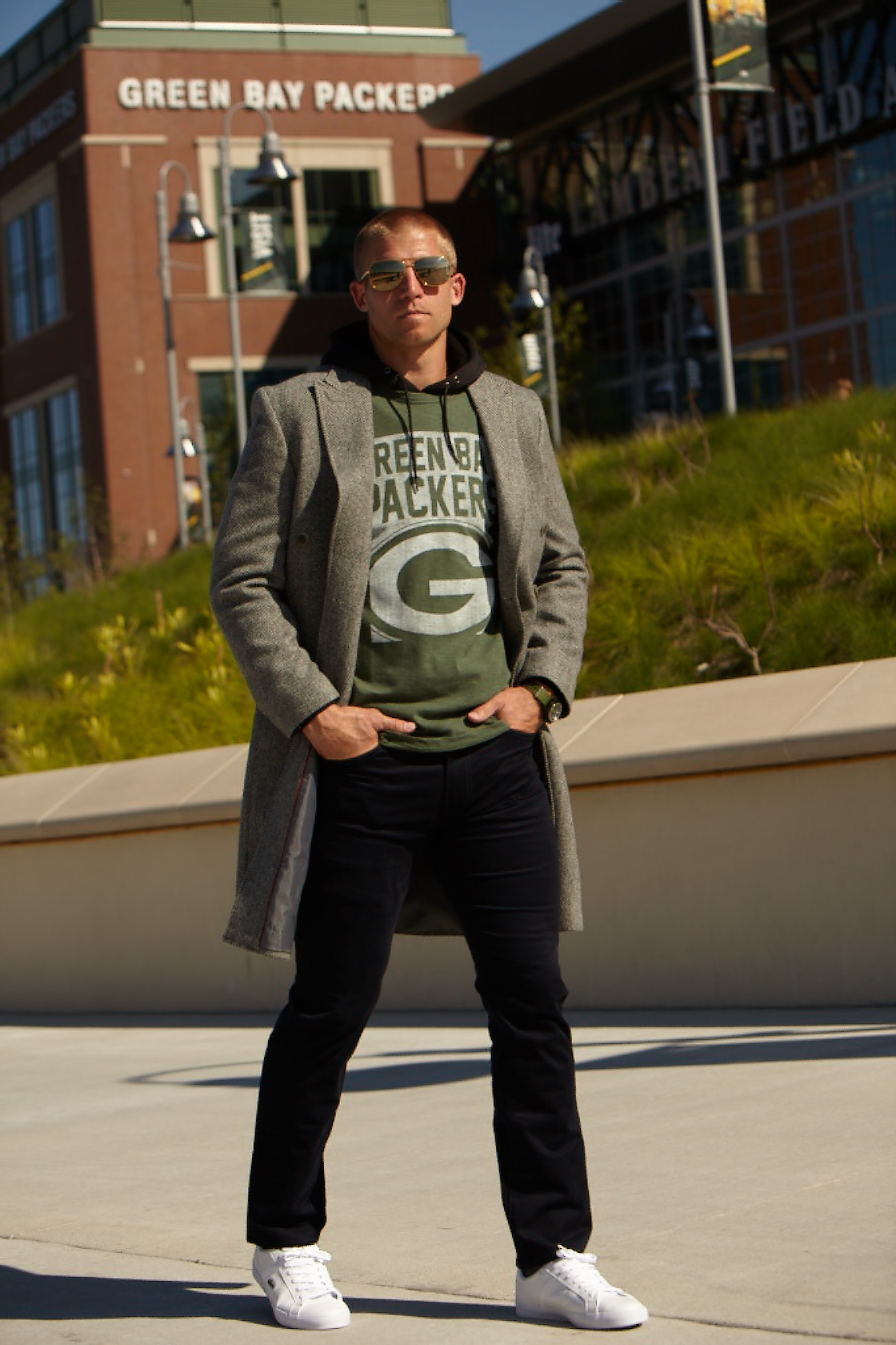 jacket GRUNGY GENTLEMAN | t-shirt NFL | hoodie I LOVE UGLY | glasses MATSUIDA | pants DOCKERS | watch VICTORINOX | shoes LACOSTE