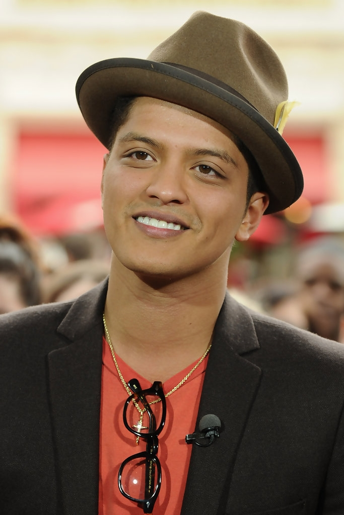 Bruno+Mars+Dress+Hats+Fedora+-TP3Cqqso9mx.jpg