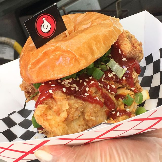 TORONTO 👋🏼 we have a packed schedule for y'all to catch us on the streets this week!  BAY & ADELAIDE (Aug 1) 11:30am-2:30pm && TORONTO FOOD TRUCK FESTIVAL ALLL WEEKEND LONG!! Aug 2-5 come by for a bite!! 🎉 . 👆🏼: Spicy Korean Fried chicken Sammie *new*