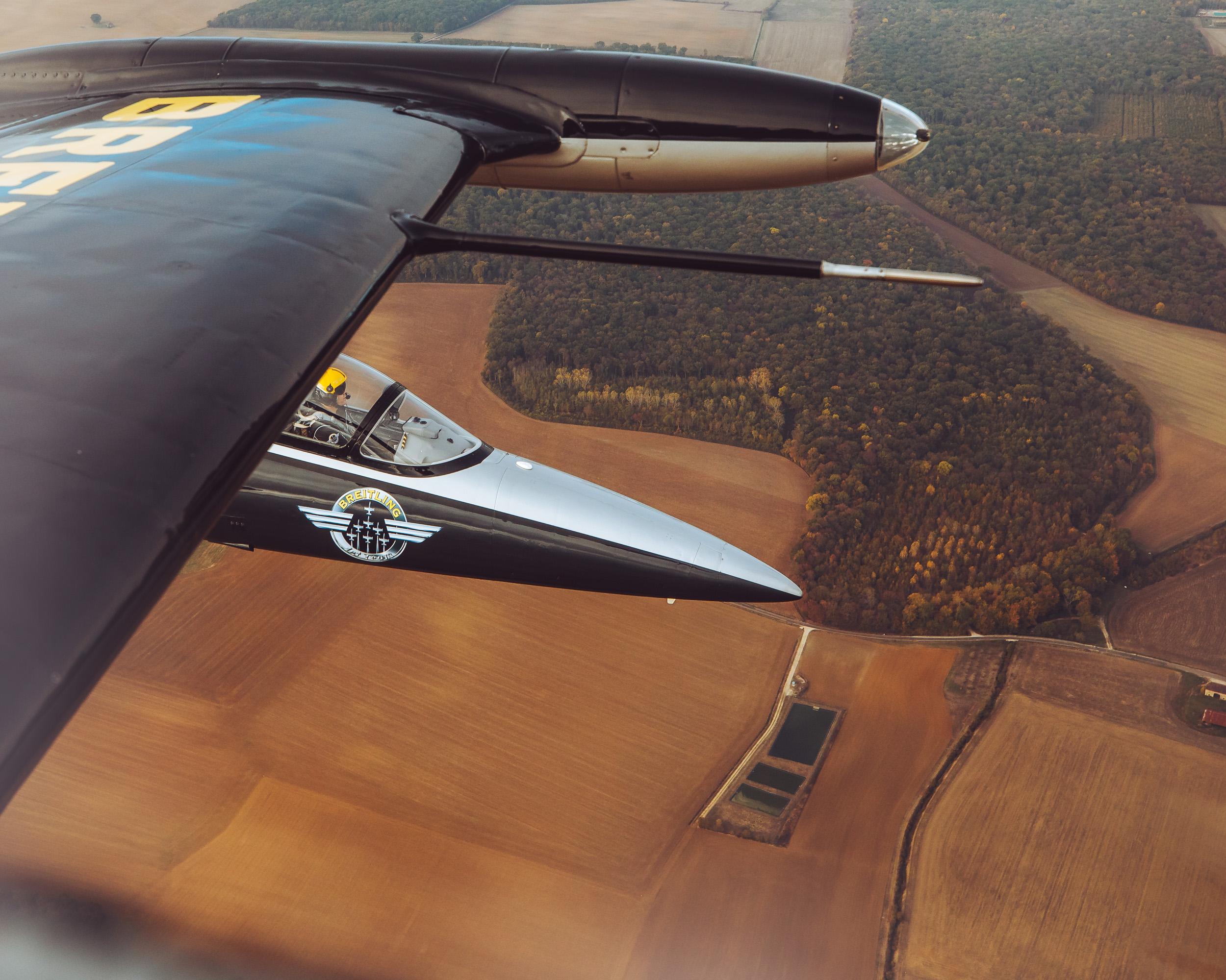 201810-Breitling-Jets-Finn_Beales-2.jpg