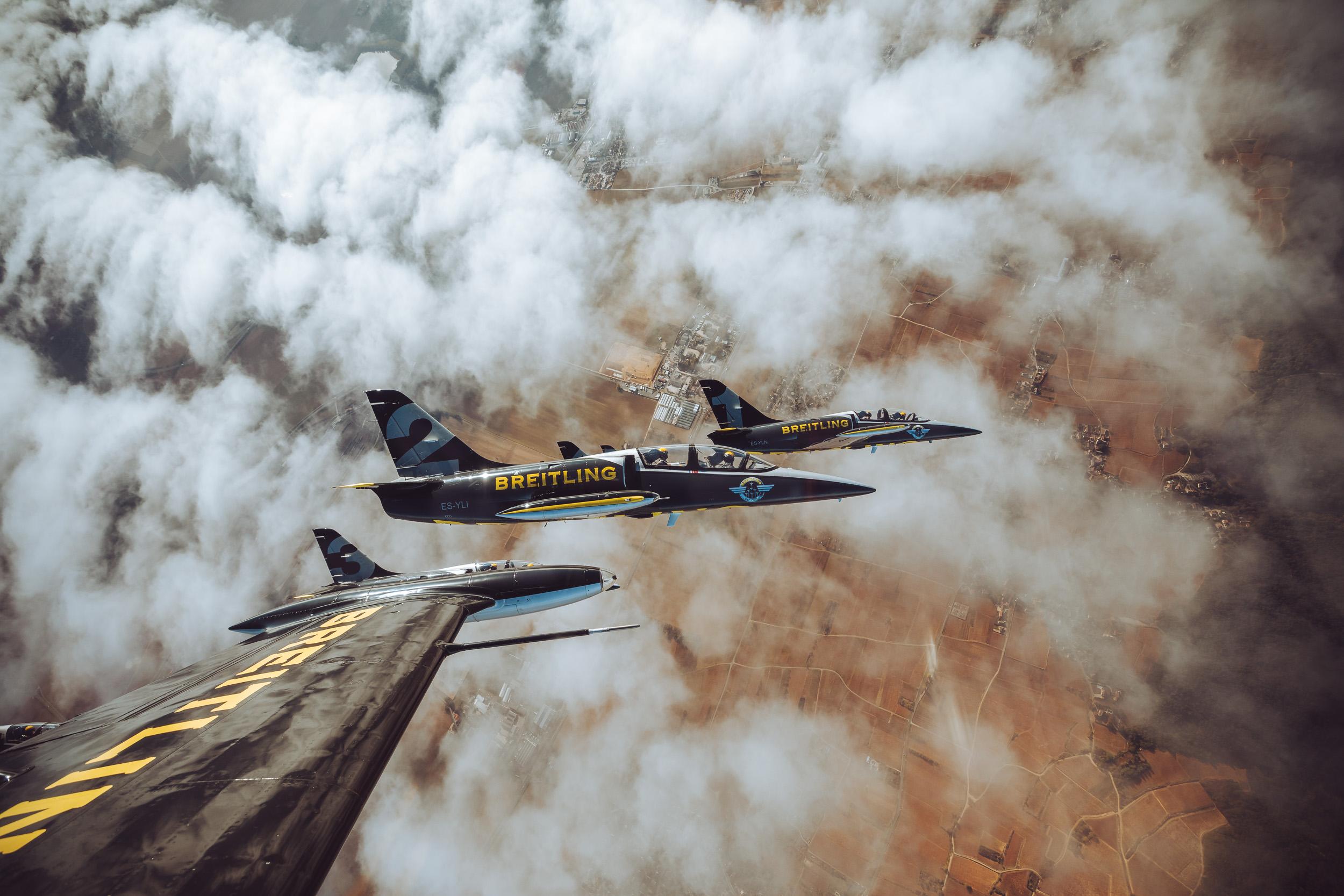 201810-Breitling-Jets-Finn_Beales-11.jpg