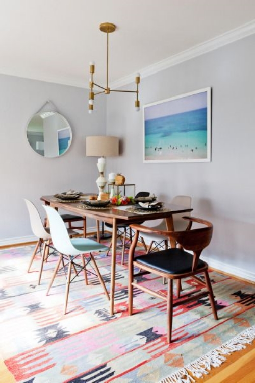 This unexpected dining room rug via Style me Pretty