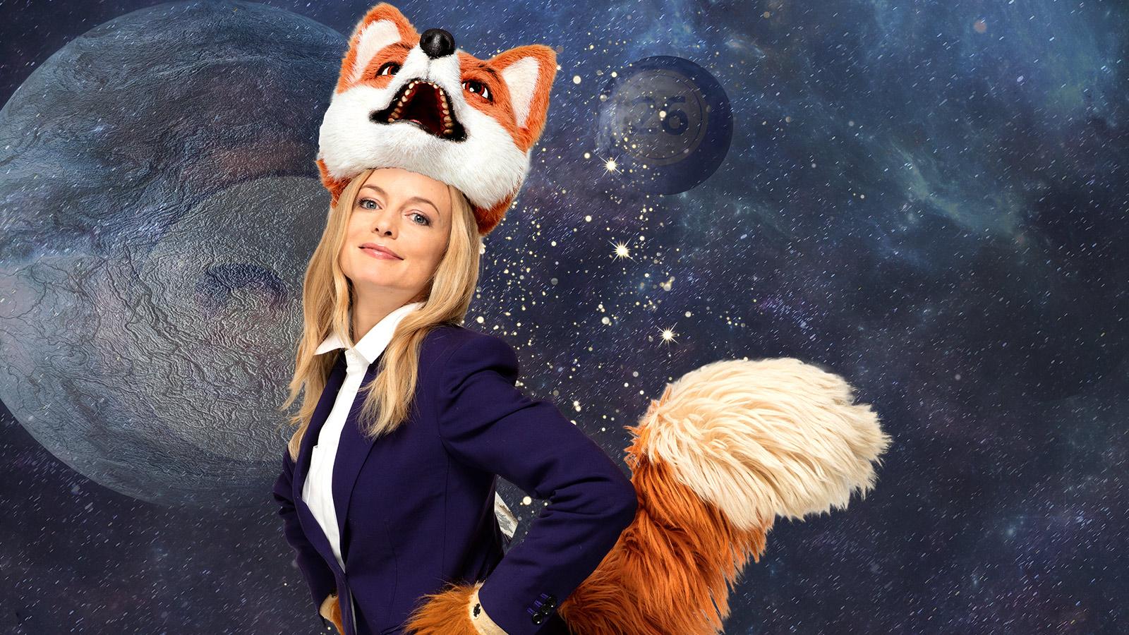 Heather Graham wearing Paul Smith for Foxy Bingo marketing campaign / Source: Foxy Bingo