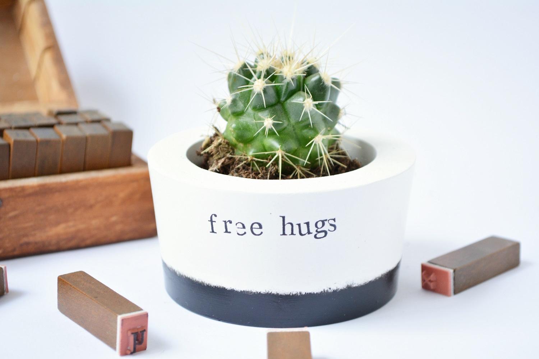 Image:  [IM]PERFECT Free Hugs Pot  / Find on Wearthlondon.com
