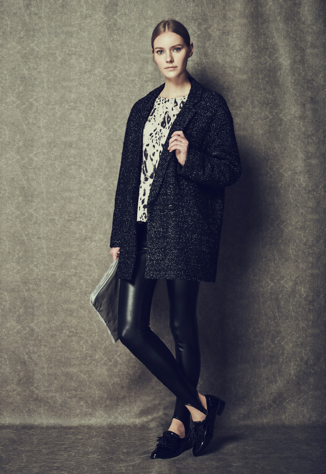 Oversized Boucle Coat & Leopard Print Blouse & Glimmer Stirrup Leggings