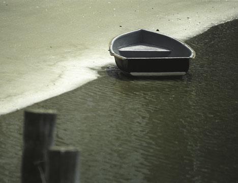 Rowboat_on_Shore.jpg
