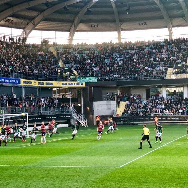 Idag är vi på en spännande match mellan de båda idrottssällskapen från Göteborg!