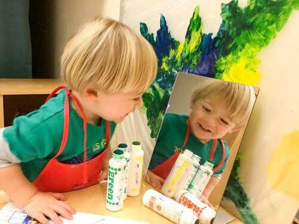 Creativity is contagious 🎨 Pass it on!⠀⠀⠀⠀⠀⠀⠀⠀⠀ .⠀⠀⠀⠀⠀⠀⠀⠀⠀ .⠀⠀⠀⠀⠀⠀⠀⠀⠀ .⠀⠀⠀⠀⠀⠀⠀⠀⠀ .⠀⠀⠀⠀⠀⠀⠀⠀⠀ .⠀⠀⠀⠀⠀⠀⠀⠀⠀ . #letthechildrenplay #invitationtoplay#earlylearning #learnthroughplay#funlearningathome #playathome#learningthroughplay #playbasedlearning#earlychildhoodeducation#teachersofinstagram#teachersfollowteachers #teachersofig#sahm #momgsofinstagram #sgmum#iteachtoo #earlychildhood #earlyyears#playmatters #reggioinspired #toddlerplay#toddlerplayideas #toddleractivities#17monthsold #17months #markmaking#smockson #earlylearning101