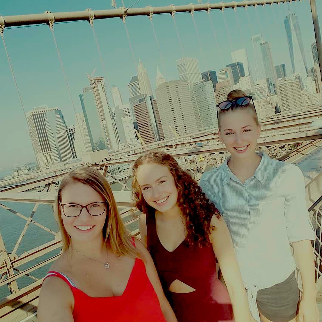 From back to front Verena, Monika and me on the famous Brooklyn Bridge.