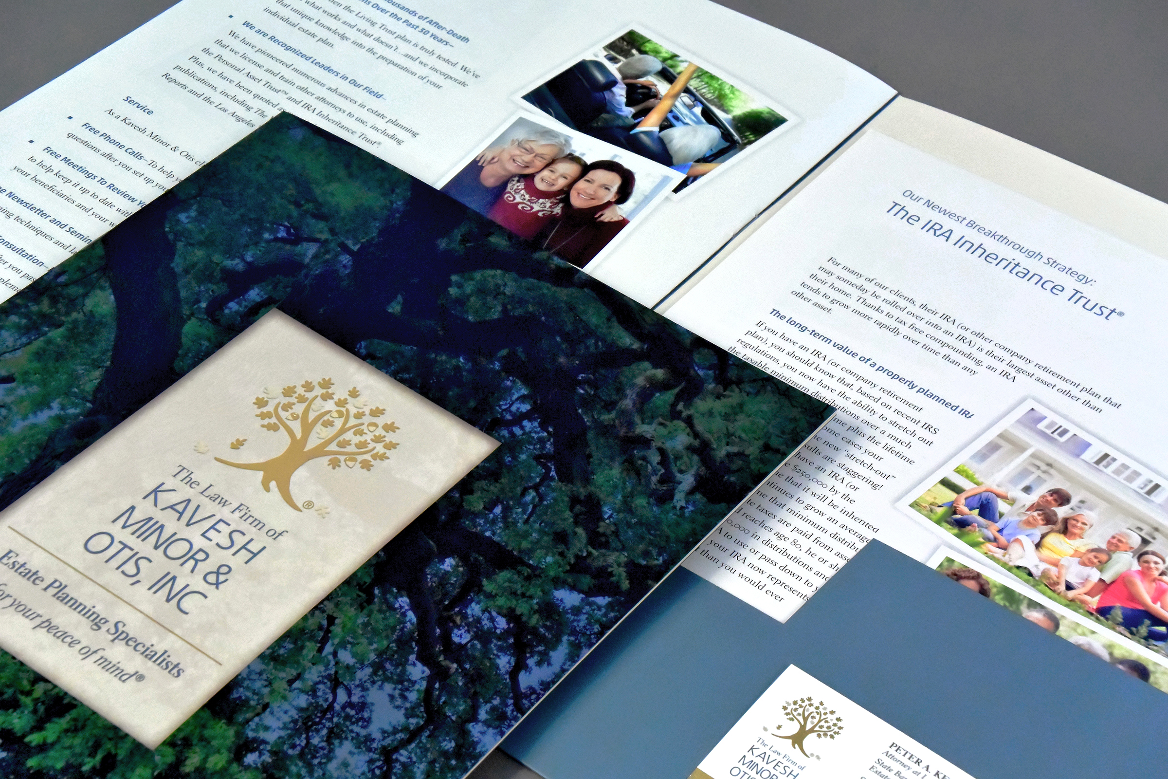 Corporate pocket brochure with easily modified pocket Inserts