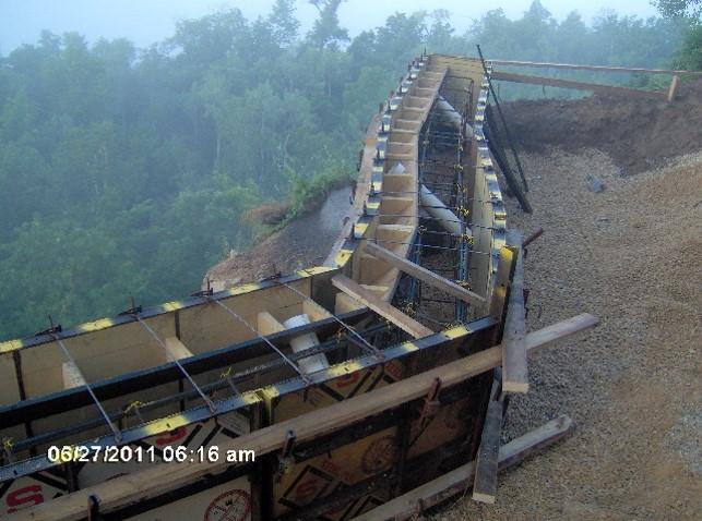 Grandad Bluff Scenic Overlook Earth Shoring Retaining Wall.jpg
