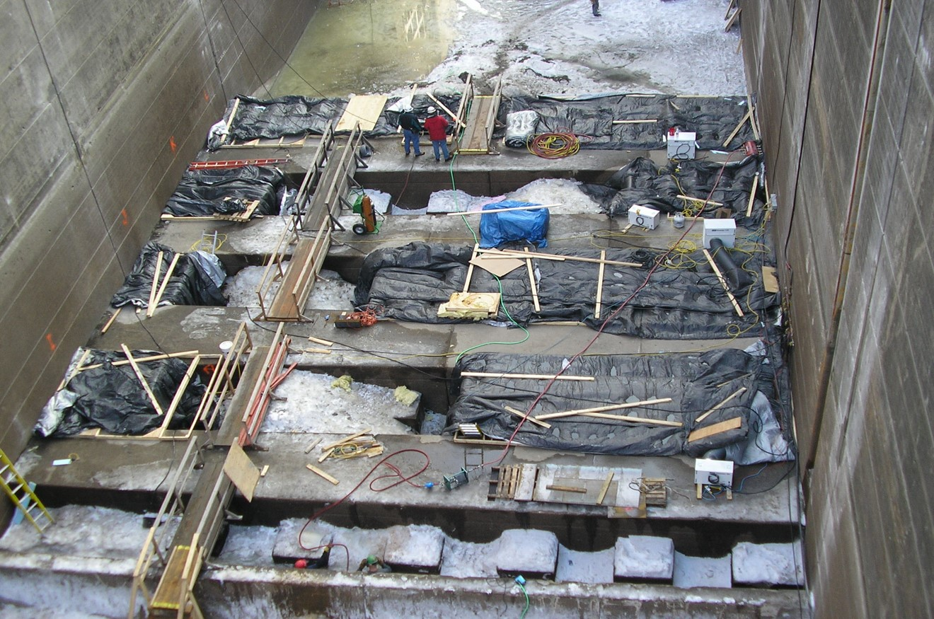 Upper St. Anthony Falls Lock Dam Construction 2.jpg