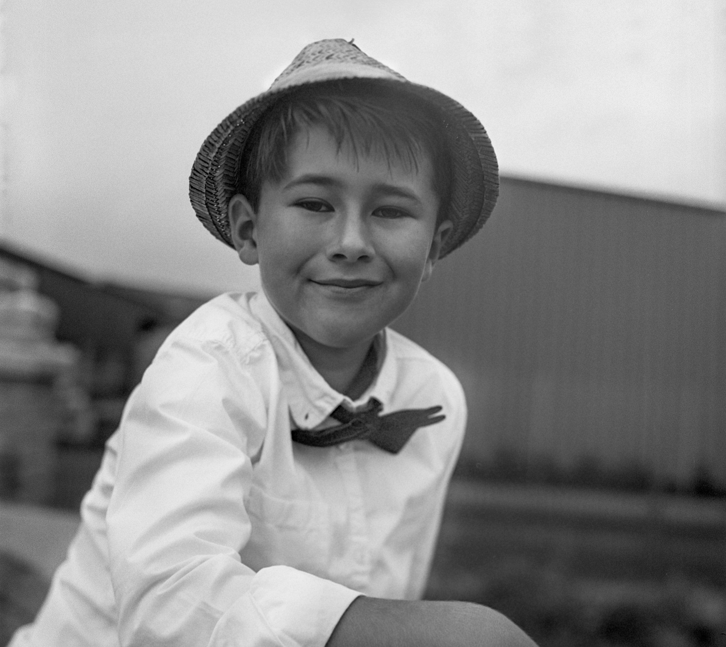 Georg Schmidt Fotograf aus Aschaffenburg Portrait Kinder Film blackandwhite Rolleiflex SL66 Film Kunstvolle Fotografie-mittelformat1.jpg