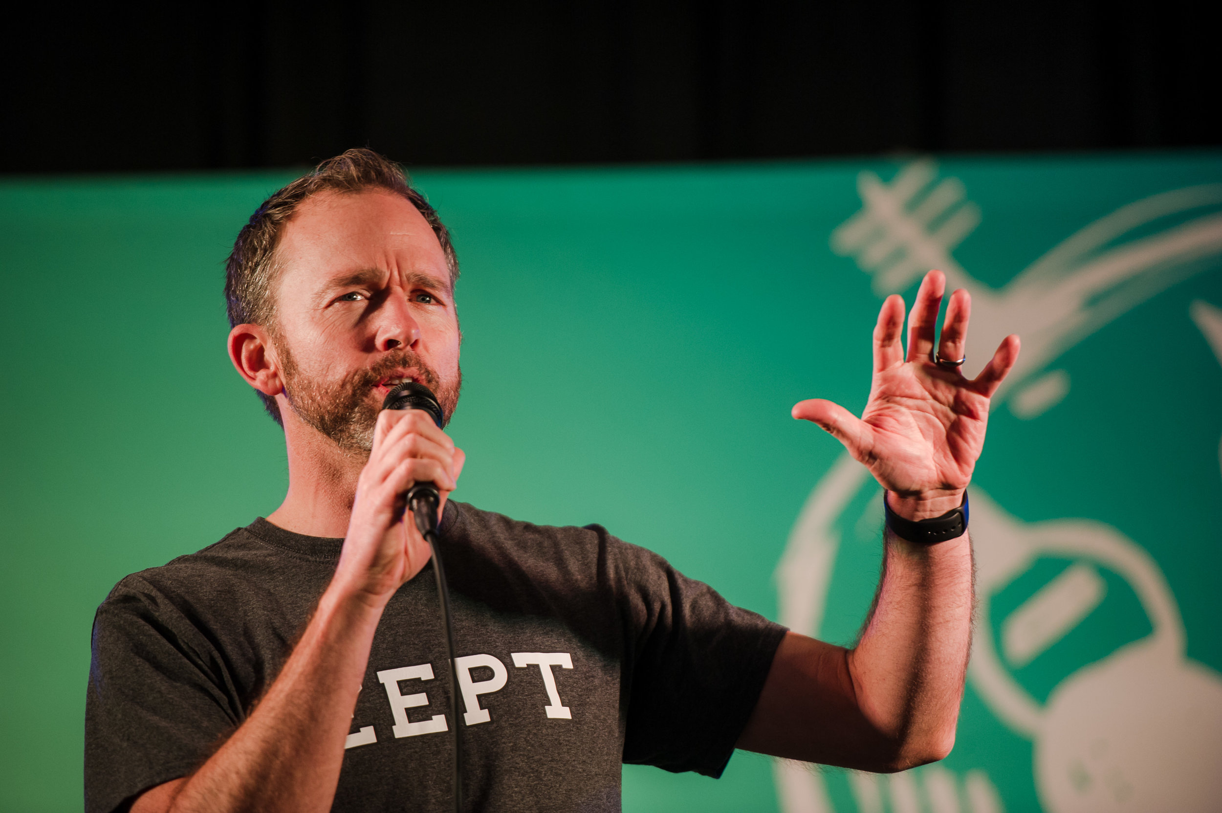 Gregg Oldring, CEO - Zept, pitches to the crowd at Launch Party 8.