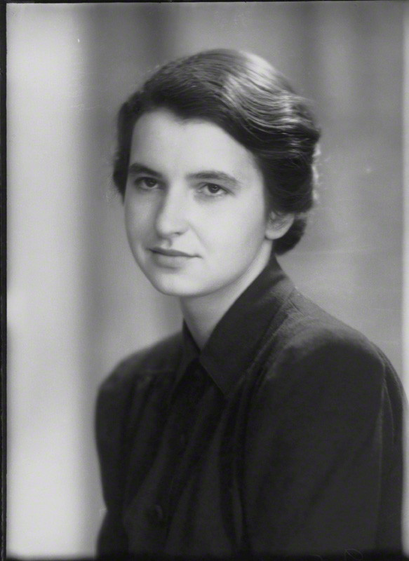 Rosalind Franklin, the crucial crystallographer   Elliott & Fry/National Portrait Gallery  (CC BY-NC-ND 3.0)