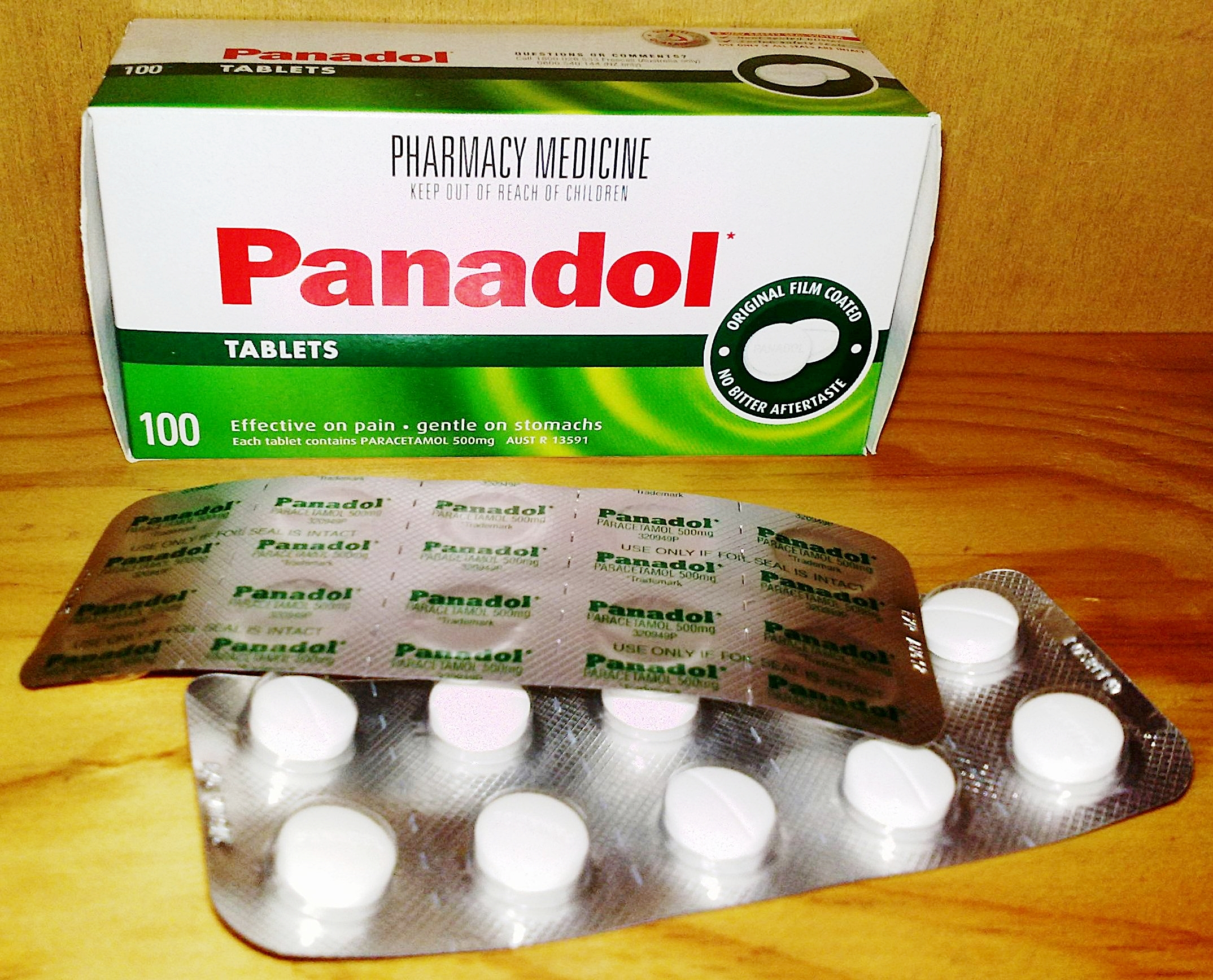 Pain, pain, go away. Panadol to the rescue? Maybe not.   Editor182/Wikimedia Commons  (public domain)