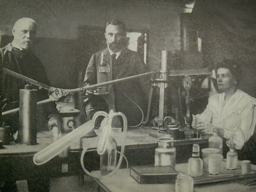 Pierre and Marie Curie in their laboratory.   rosefirerising/Flickr  (CC BY 2.0)