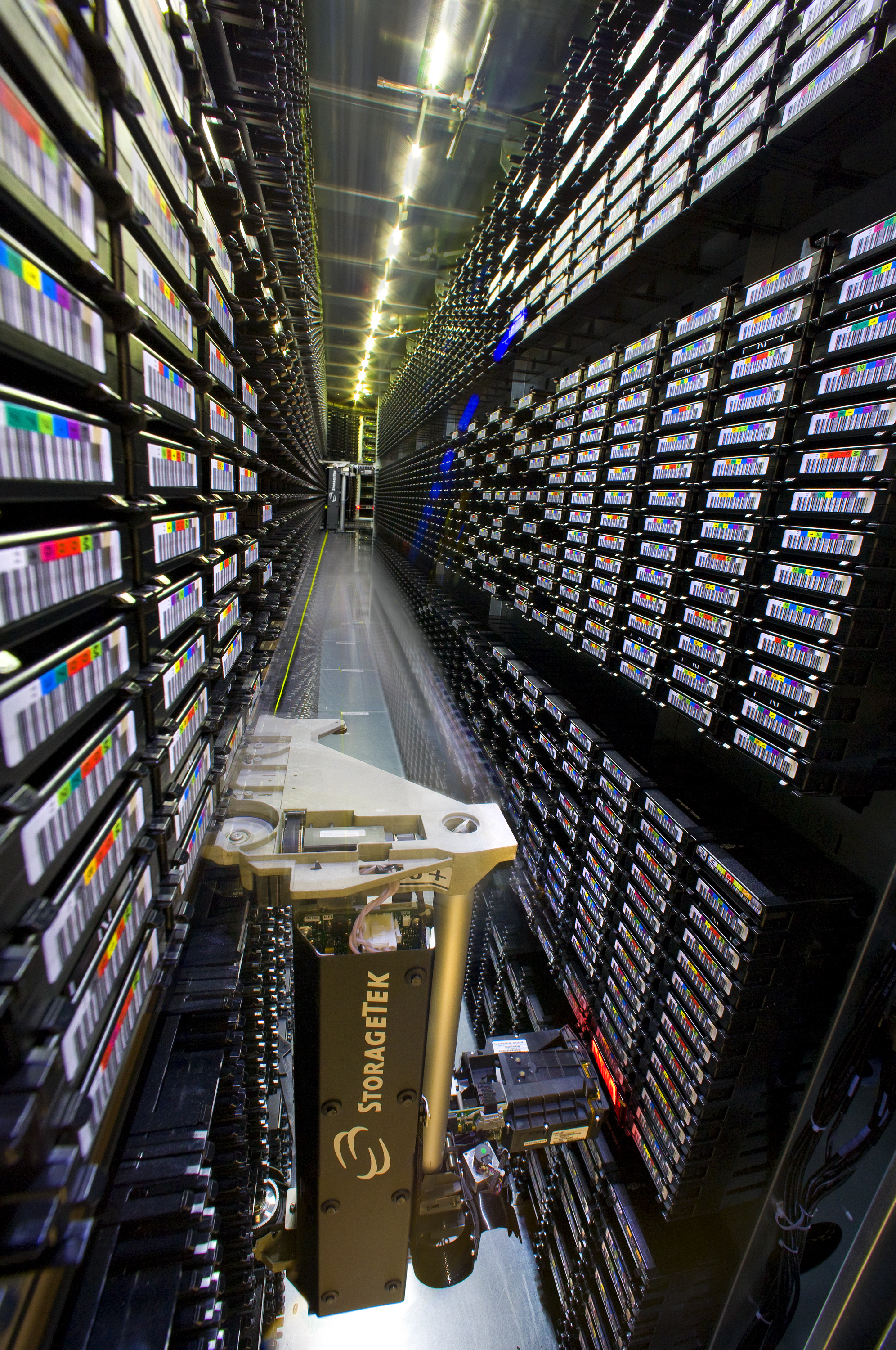 The High Performance Storage System at the US National Energy Research Scientific Computing Center can manage up to 37PB of scientific data.     Roy Kaltschmidt/Flickr   (CC BY-NC-ND 2.0)