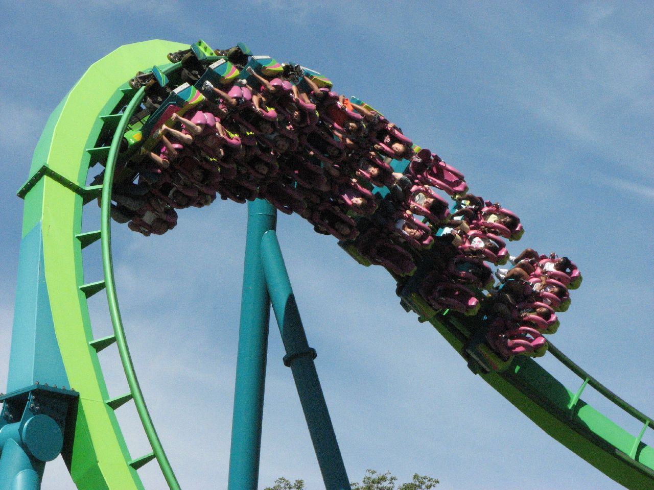 If you want a memorable date, go see a scary movie or ride a rollercoaster.   hounddiggity/Flickr  (CC BY-NC 2.0)