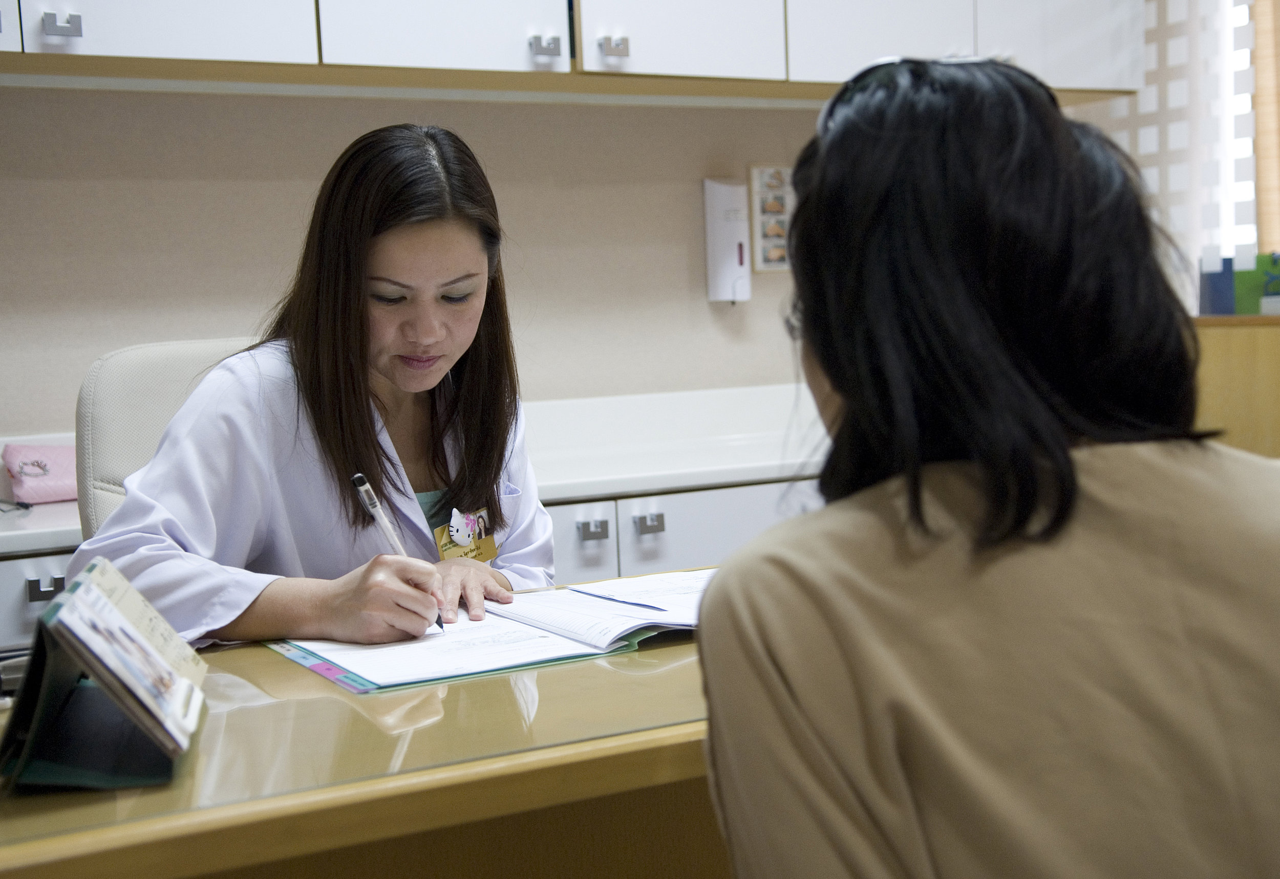 Female patients can ask their medical professional how prescribed medications were tested prior to approval.   ILO/Thierry Falise/Flickr  (CC BY-NC-ND 2.0)