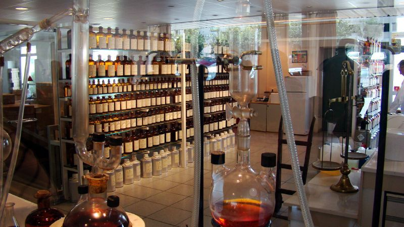 Perfumes have always been made with a mix of the natural and synthetic. Now, chemists search for new molecules with exciting smells in laboratories, much like the Fragonard Perfume factory, in Grasse, France.   John Rohan/Flickr (CC BY-NC 2.0)