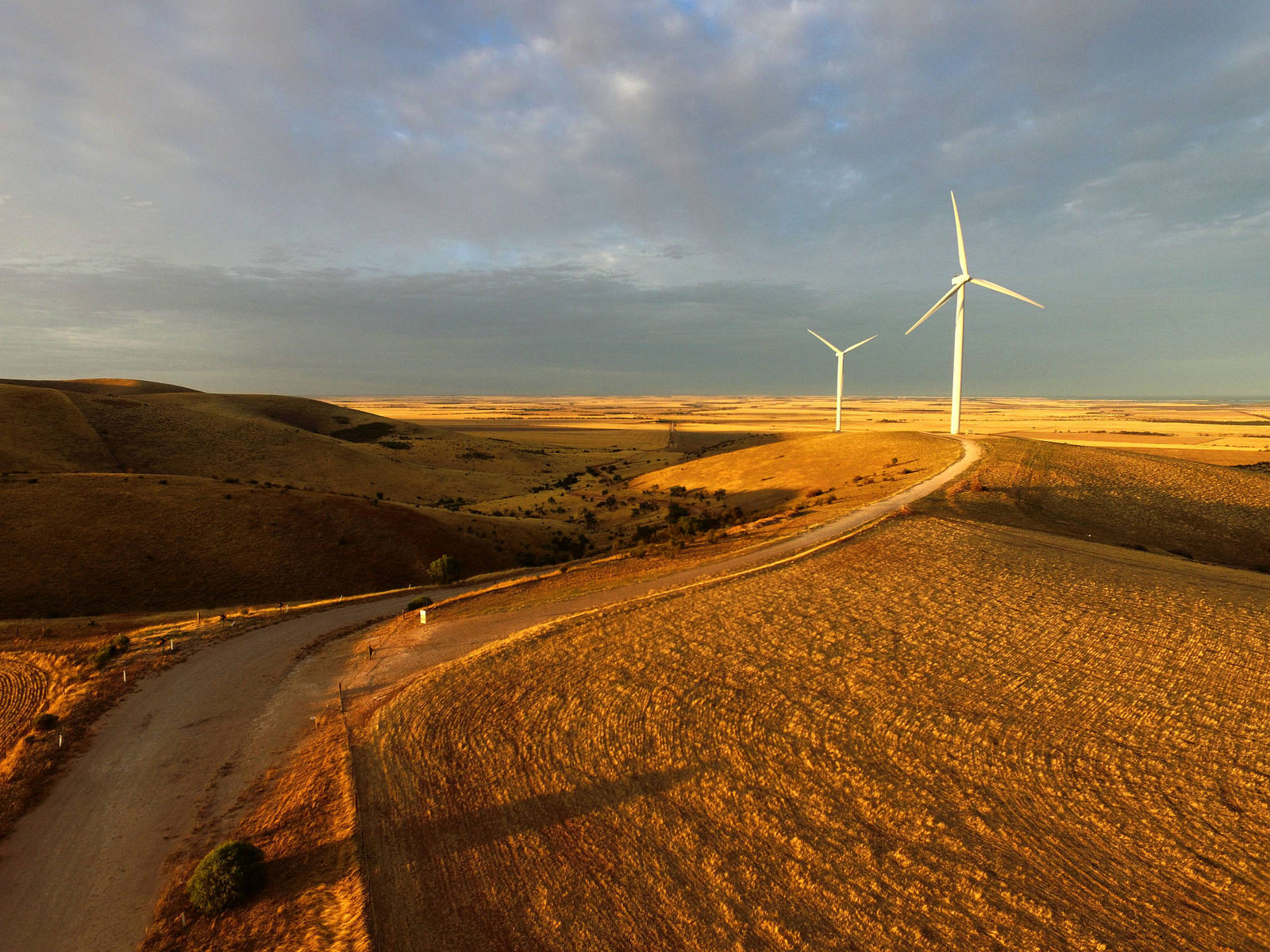 Most of South Australia is powered from solar and wind, but issues with reliability means the state often has to import power from Victoria. Clements Gap Wind Farm.   David Clark/Flickr  (CC BY-NC-ND 2.0)