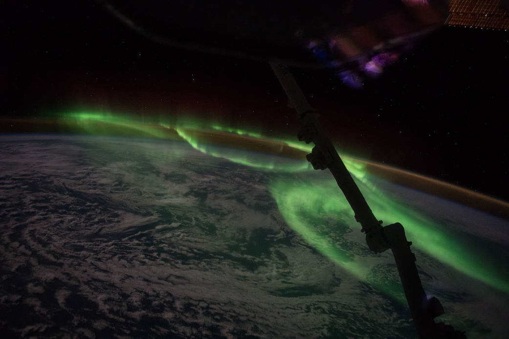 The lights of this aurora are stunning, but also capture the dance of incoming energised particles from the Sun that interact with the atmosphere to produce amazing light shows. Image c  aptured on June 24 2016 by Expedition 48 Commander Jeff Williams, on the ISS.  NASA    (Public domain)