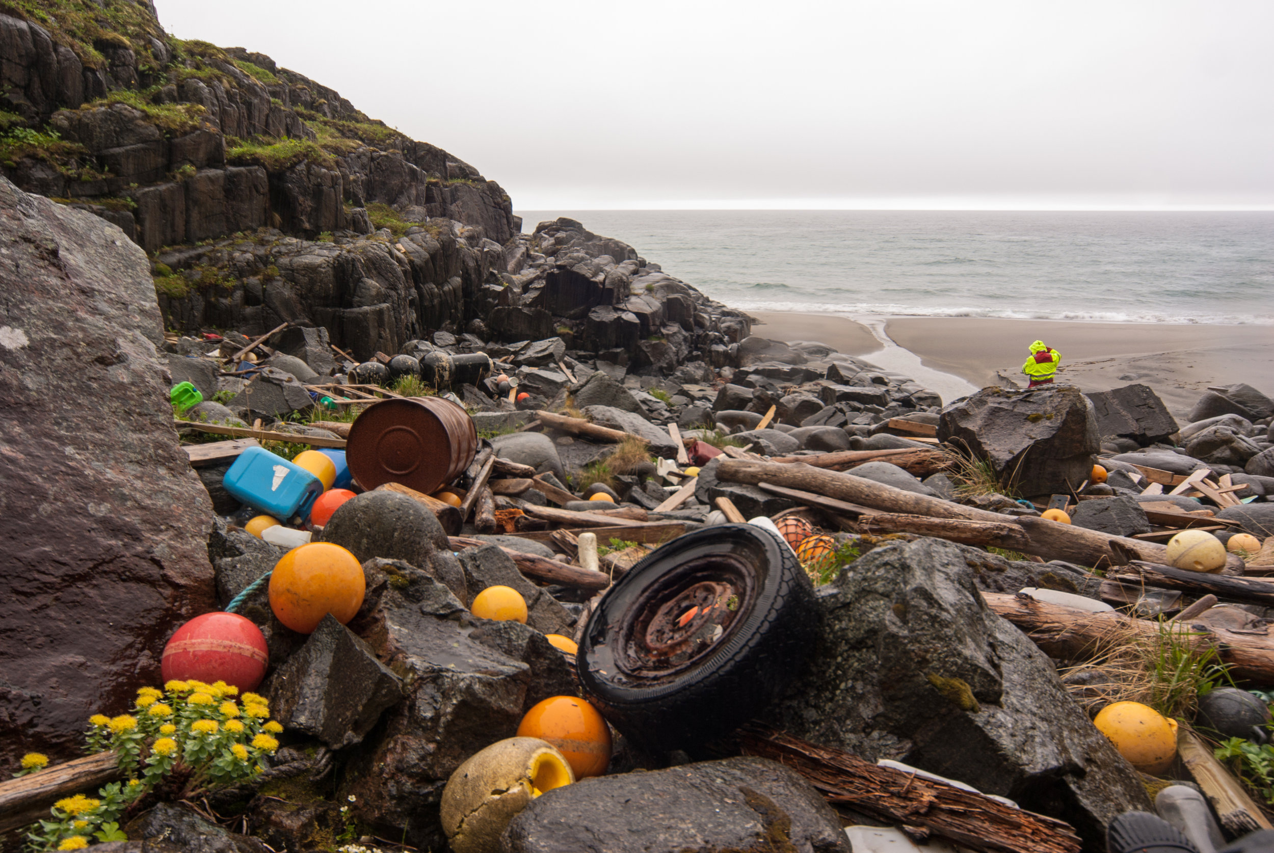 Garbage litters beaches all around the planet, sometimes having travelled thousands of kilometres across the ocean.   Bo Eide/Flickr  (CC BY-NC-ND 2.0)