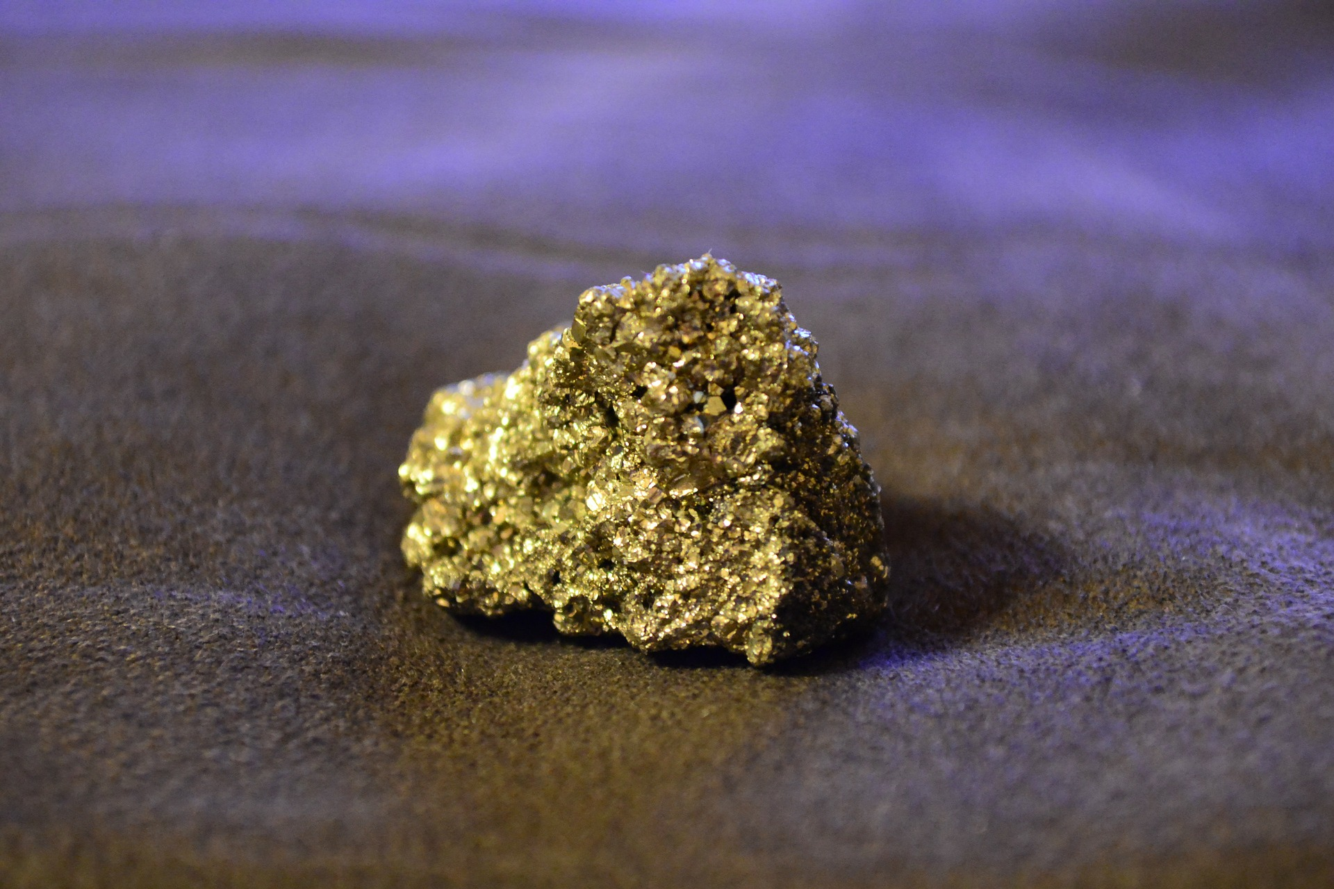 "As well as several copper allloys, pyrite, otherwise known as ""Fool's Gold"" was used in several alchemical recipes trying to transmute base metals into gold.   PollyDot/Pixabay  CC0"