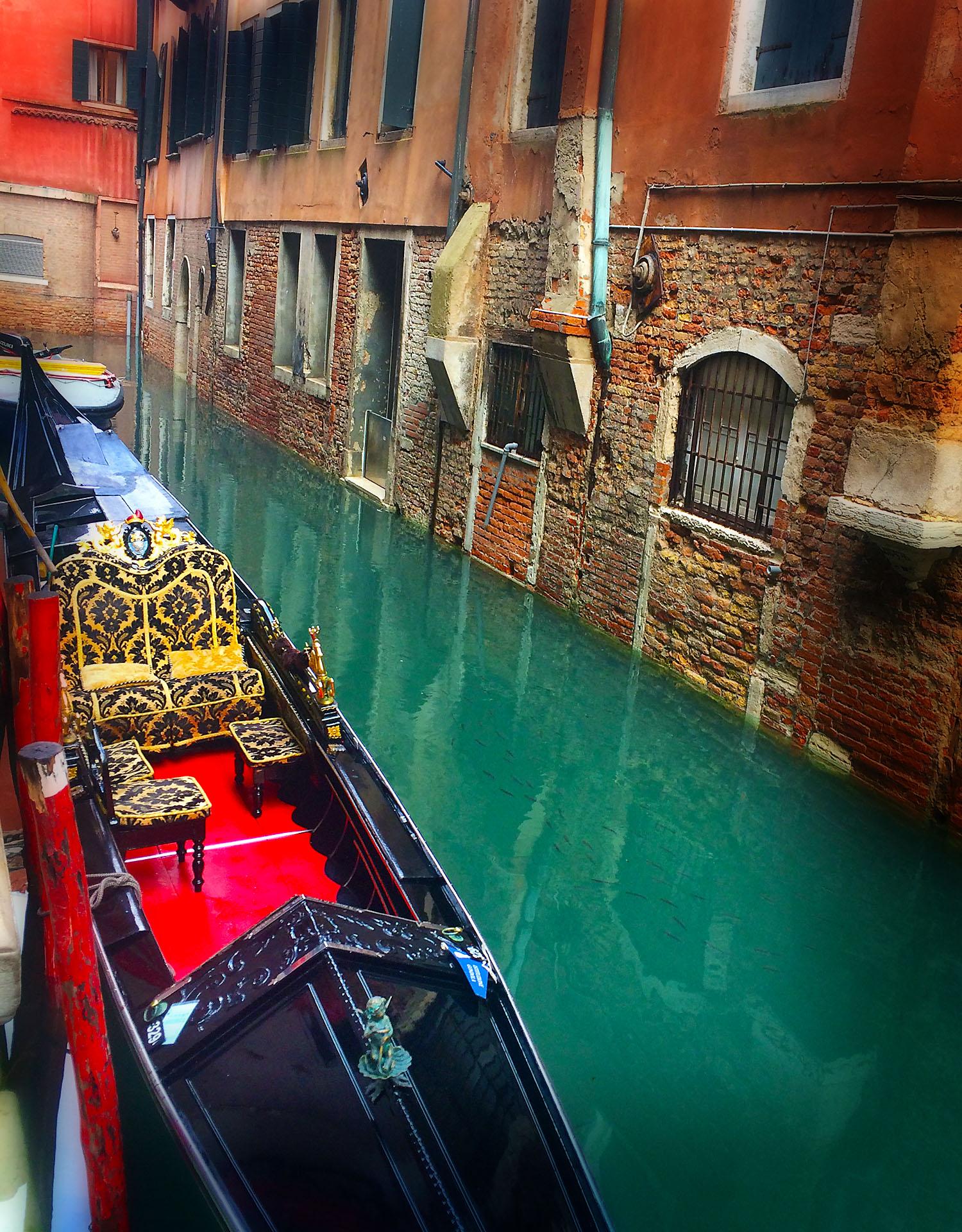 VeniceGondola.jpg