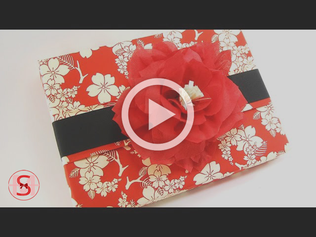 Chic Gift Wrapping with a Beautiful Flower