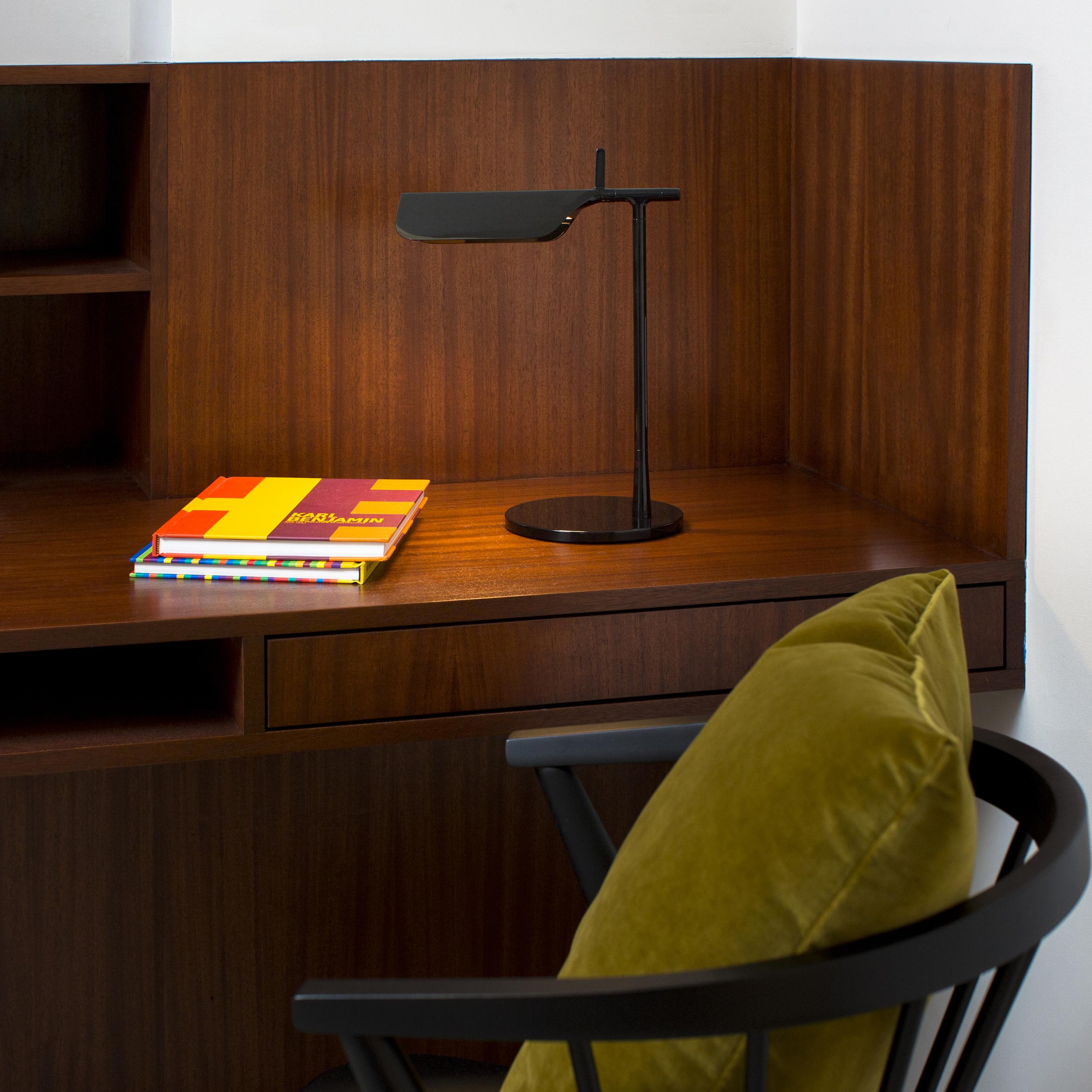 Dwell_Desk.jpg