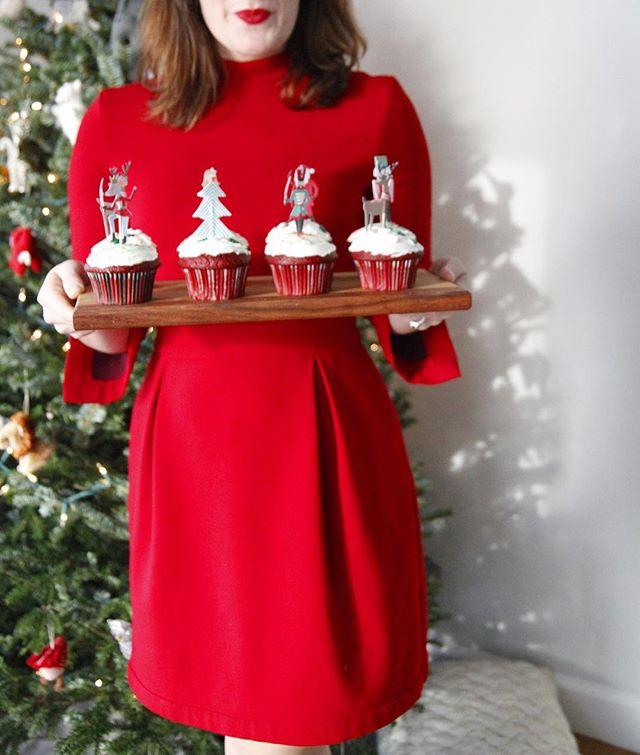 Cupcakes and crimson!