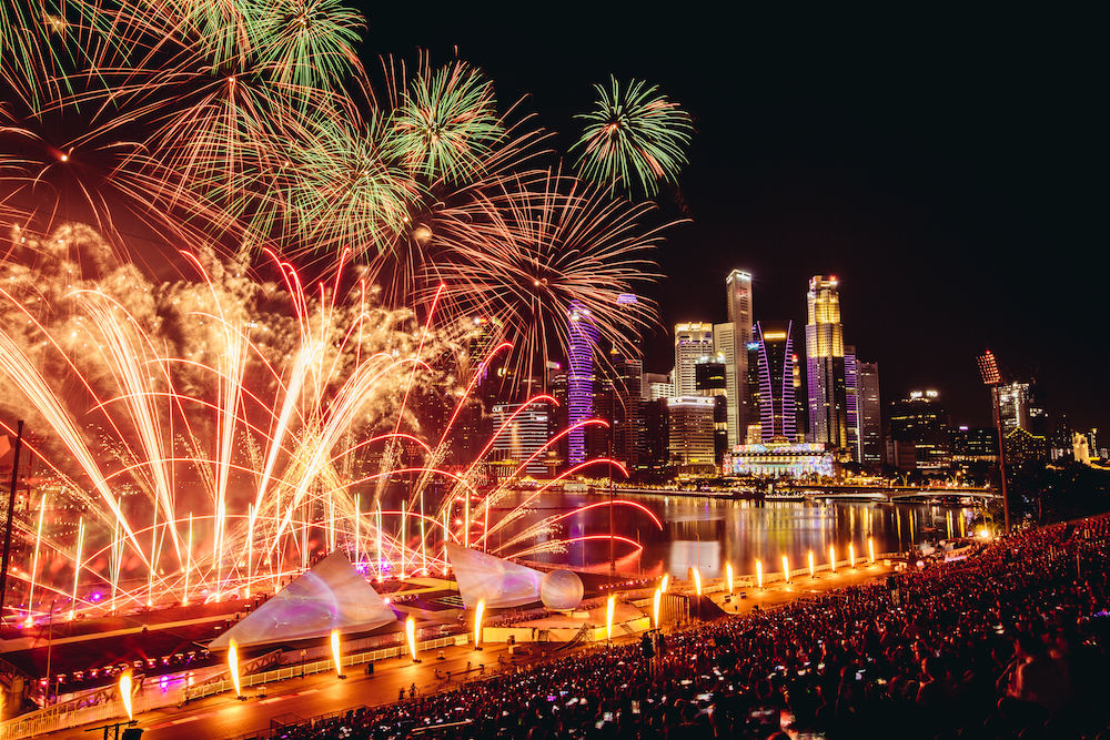 Fireworks and pyrotechnics perfectly synchronised at STAR ISLAND.jpg