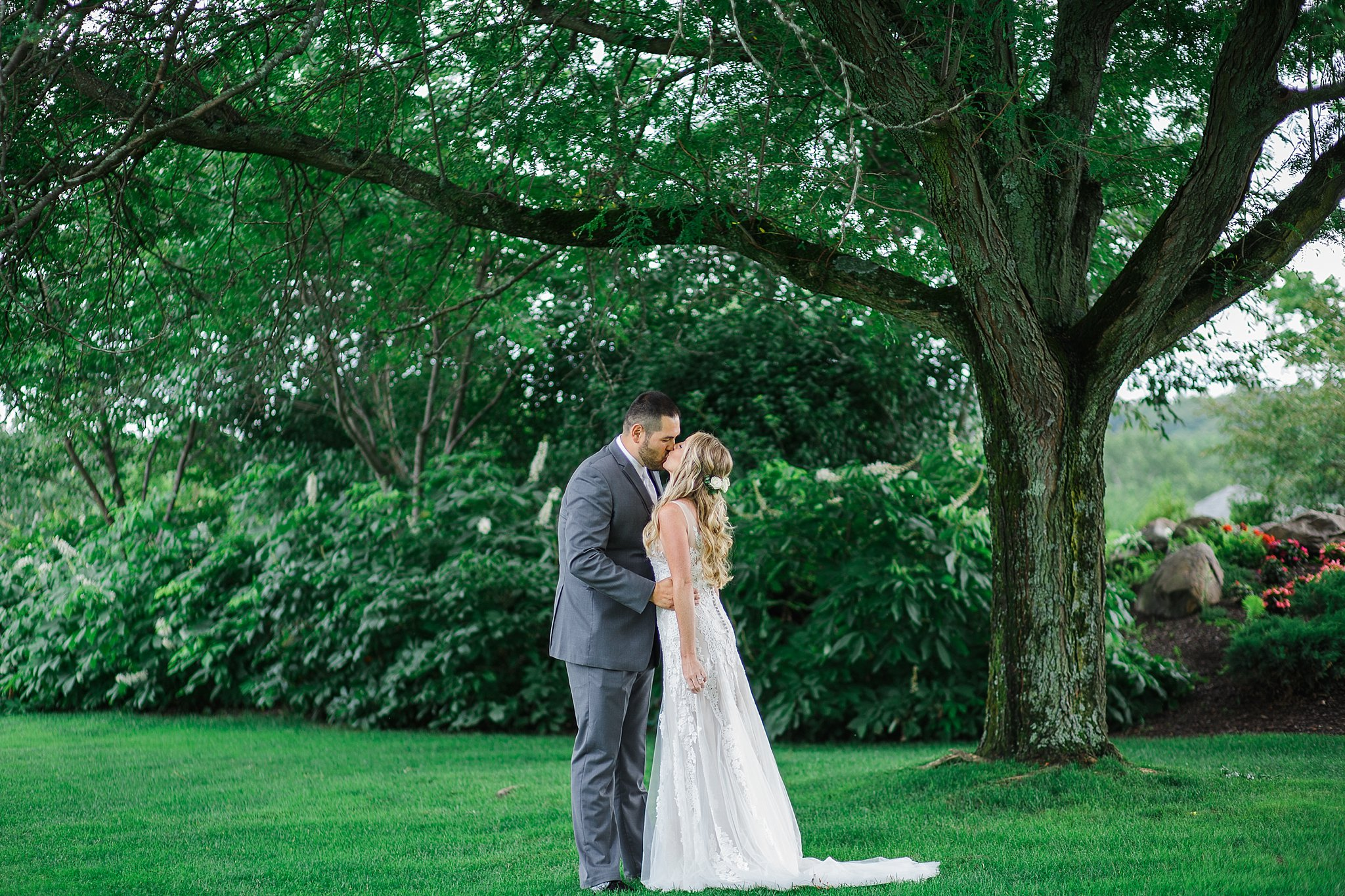 West Hills Country Club Wedding July Wedding Hudson Valley Wedding Hudson Valley Wedding Photographer Sweet Alice Photography15.jpg