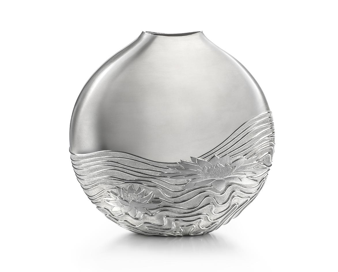 Water Lily Vase2.jpg