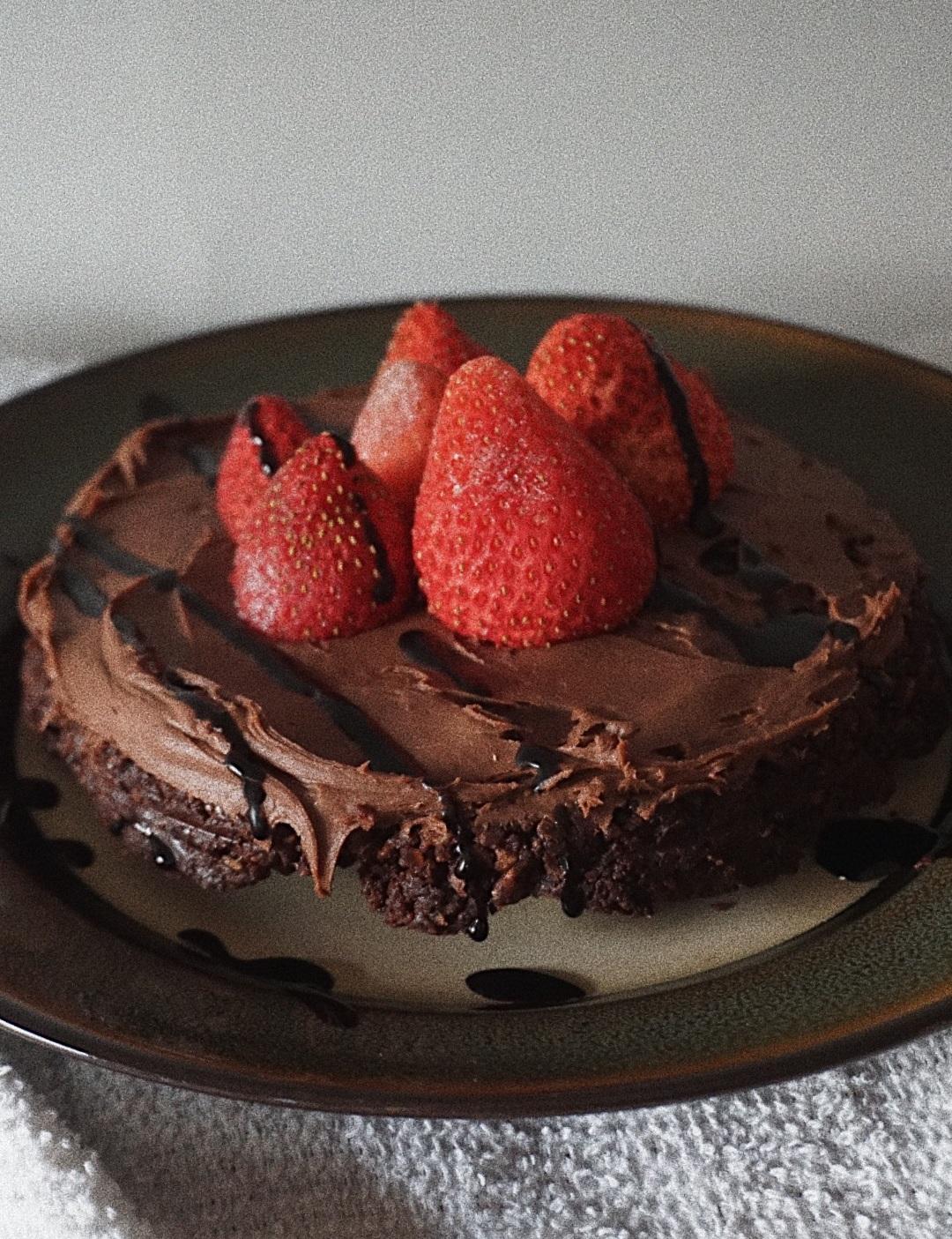 raw brownie cake - ny'ala