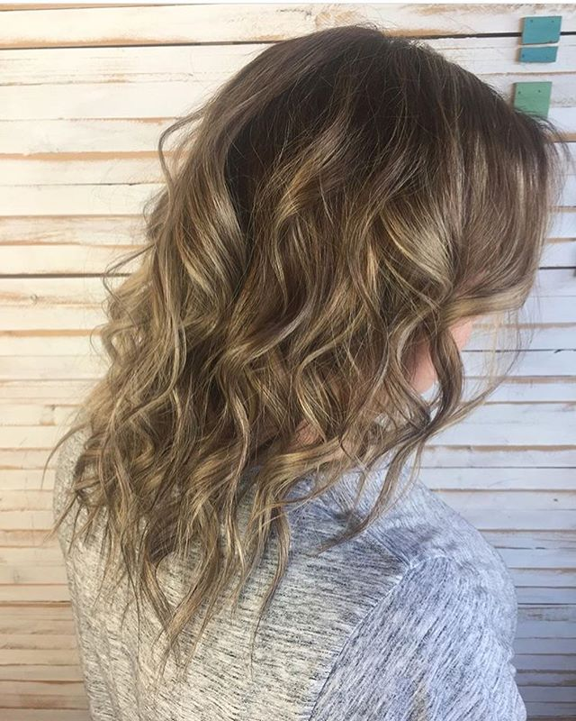 Reverse Balayage done by Cassidy! @handpainted_hair