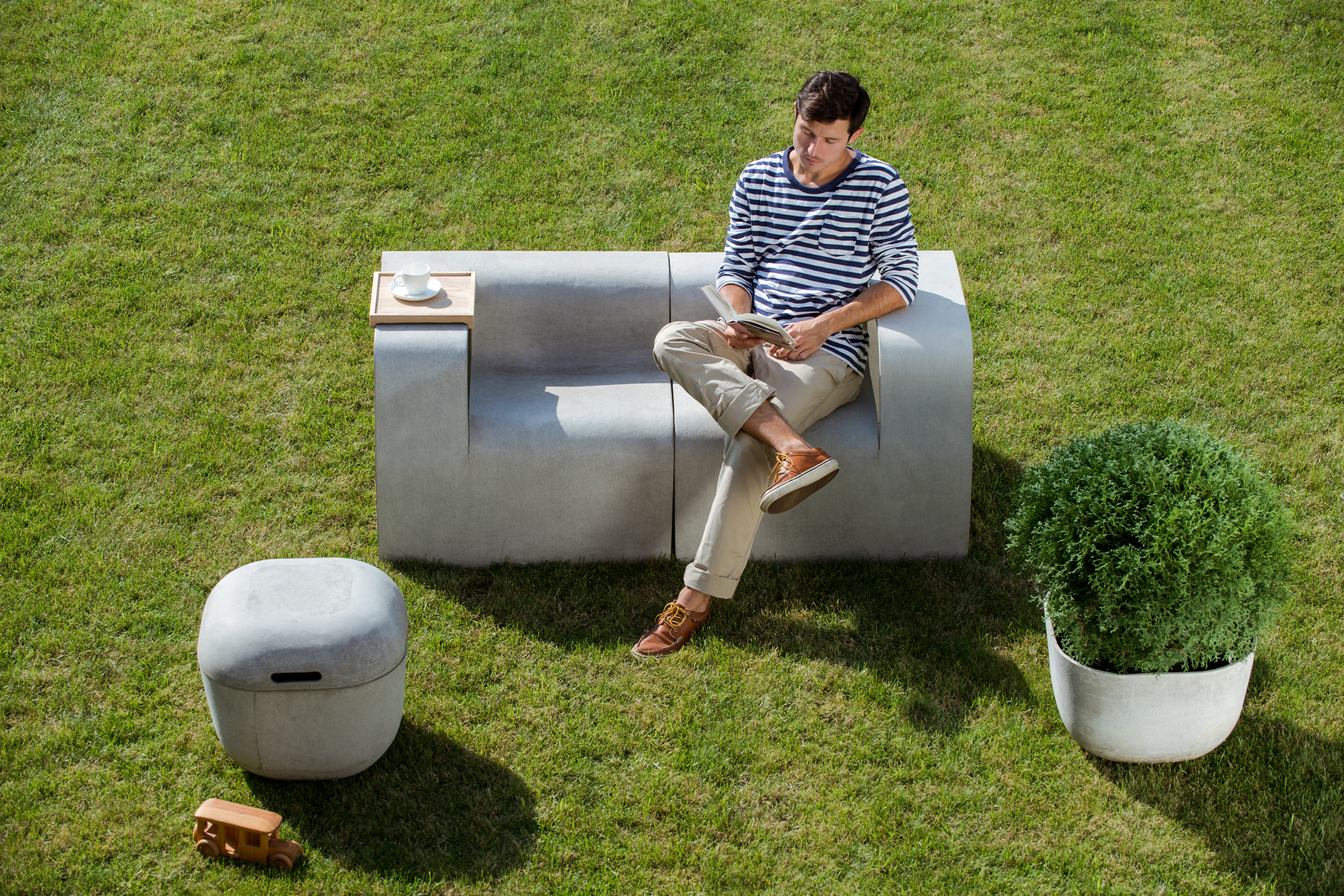 Concrete Garden - Seater R+L with Tray and Planter 4in1