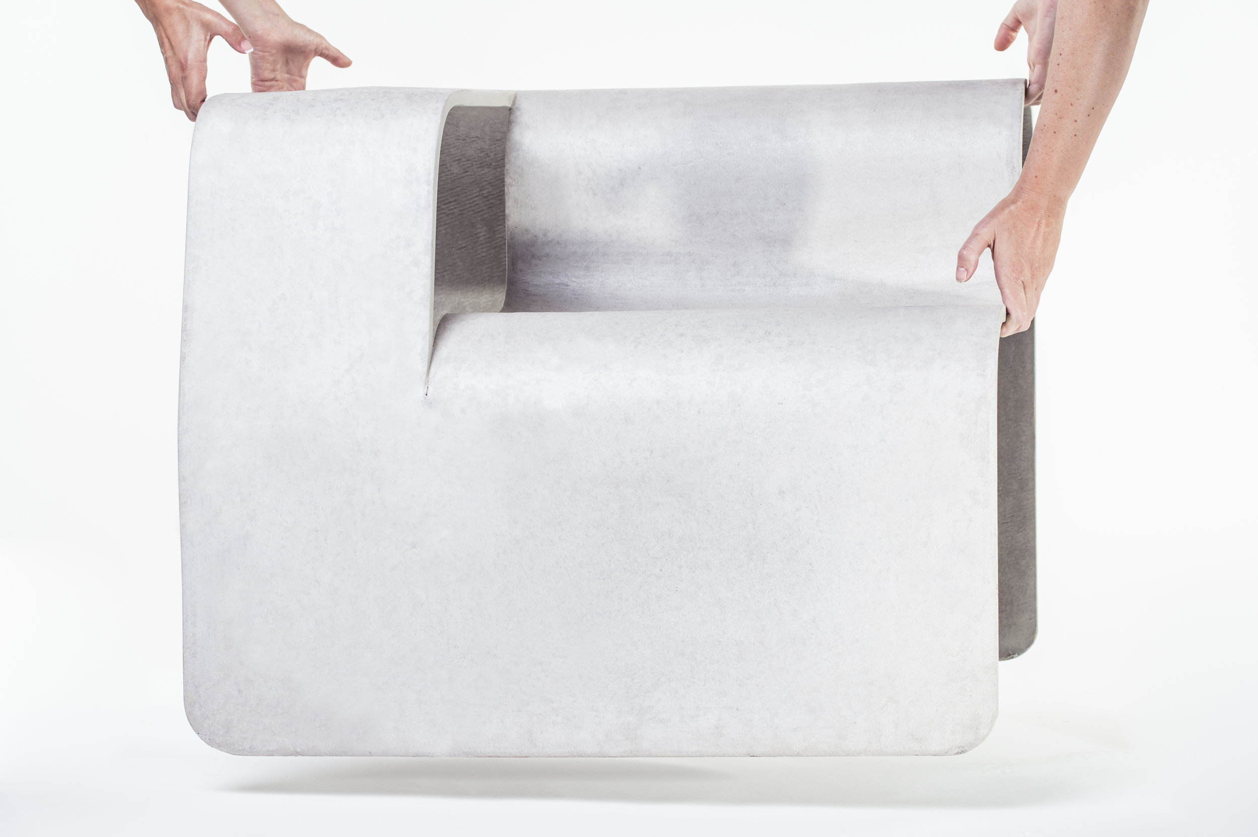 ConcreteGarden_foto-KRazinger_Concrete furniture_LIGHT