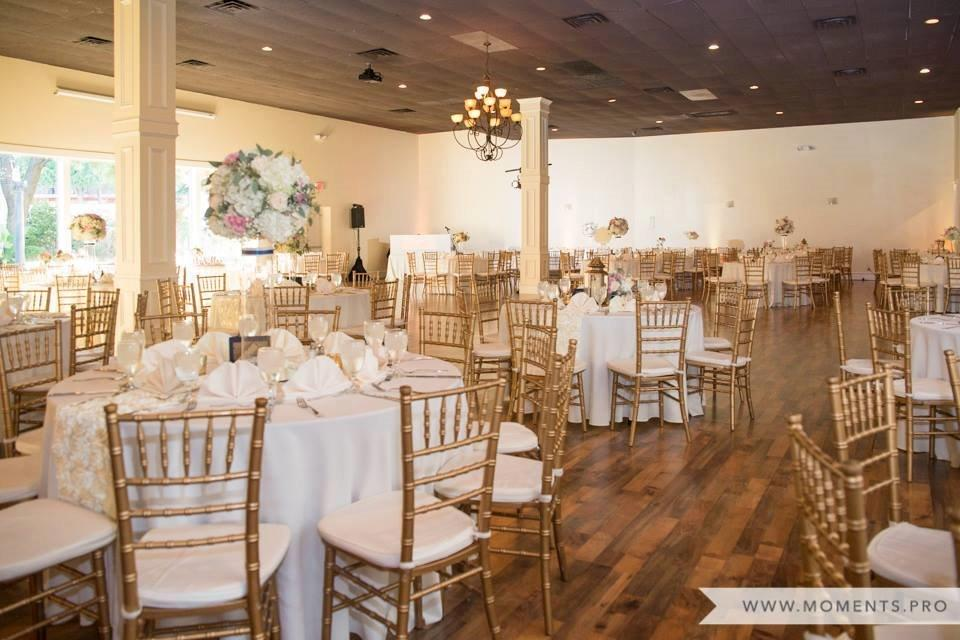 Quartz Room - Emily and Josh Wedding.jpg