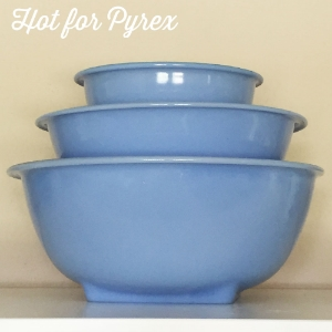 Rolled Lip Mixing Bowls  - Comes in a set of 4 bowls.  The largest bowl has a square base.